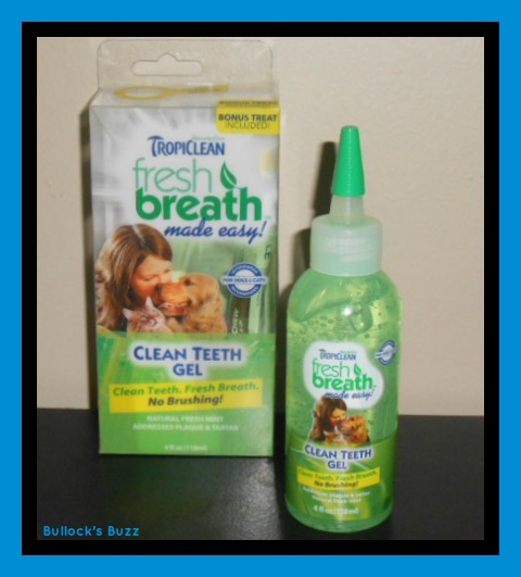 PetBox Review3a Tropiclean Fresh Breath Gel Close Up Shot