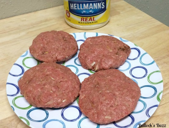 Hellmann's-Best-Ever-Juicy-Burger-with-Cheddar-and-Sauteed-Mushrooms-Recipe3
