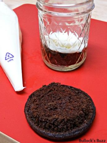 milksplash-cocoa-loco-cupcakes5