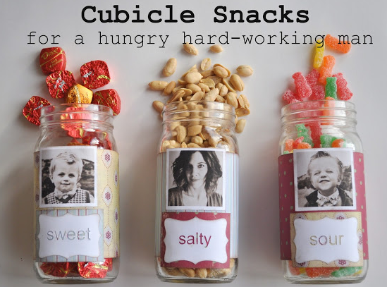 last_minute_DIY_food_gift_ideas_cubicle_snacks