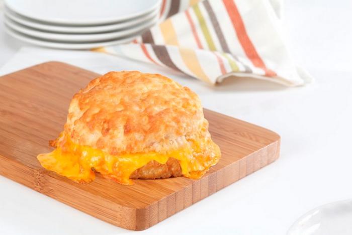cheddar_bo_cheese_biscuit_bojangles_1b