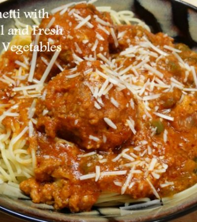 Spaghetti and Meatballs with Fresh Garden Vegetables #Saucesome