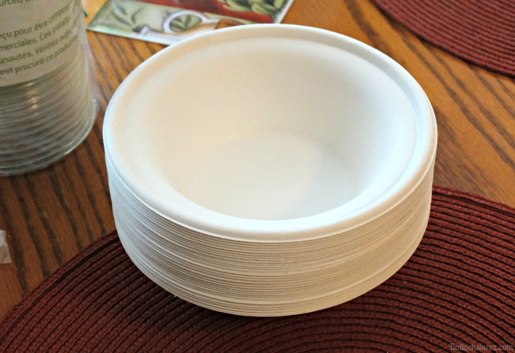 Sustainable Earth by Staples bowls