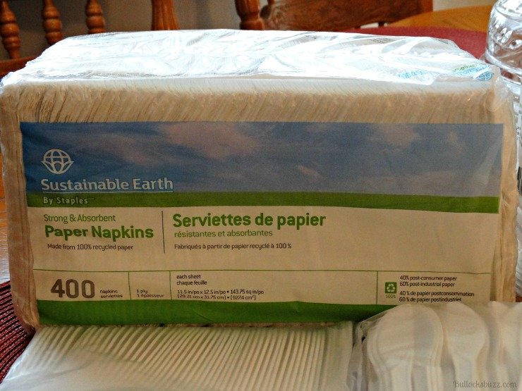 Sustainable Earth by Staples napkins
