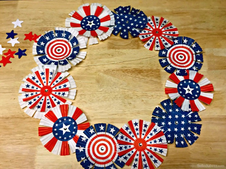 memorial day or 4TH OF JULY CUPCAKE LINER WREATH add string to middle