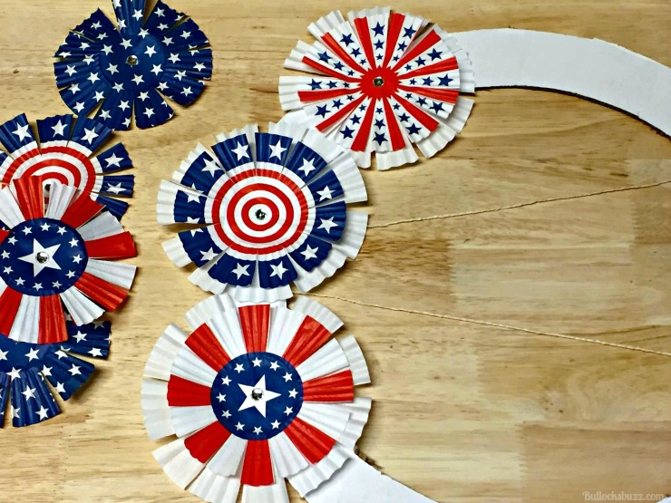 memorial day or 4TH OF JULY CUPCAKE LINER WREATH glue wrappers