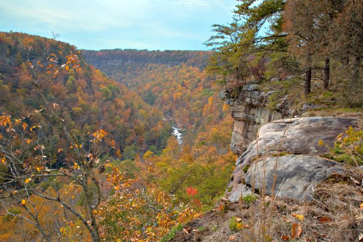 the little river canyon in alabama fall