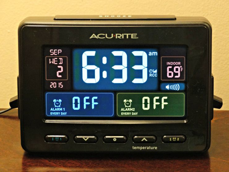 AcuRite Atomic Dual Alarm Clock with USB and Temperature close up