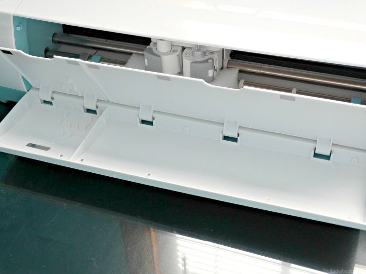 Cricut Explore Air integrated storage compartment