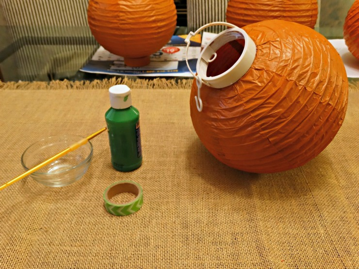 DIY Halloween Lanterns Energizer Eco Advanced paint plastic parts