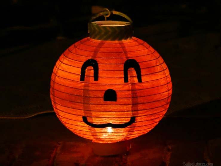 DIY Halloween Lanterns Pumpkin Lantern with Energizer Eco Advanced