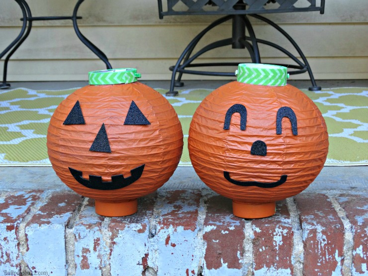 DIY Halloween Lanterns Pumpkin outside Energizer Eco Advanced finished