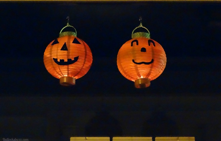 DIY Halloween Lanterns Pumpkins Energizer Eco Advanced hanging outside