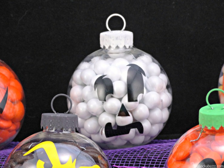 DIY Halloween candy ornaments ghost