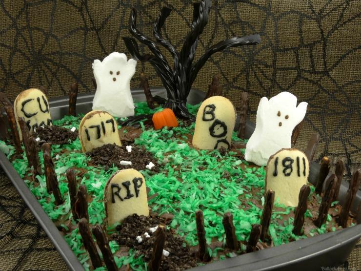 Last Minute Halloween Treats Halloween Haunted Graveyard Fanta Orange Cake finished
