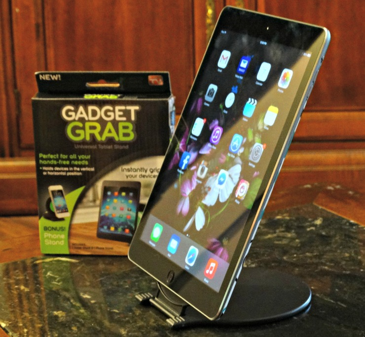 gadget grab open holding tablet side pic