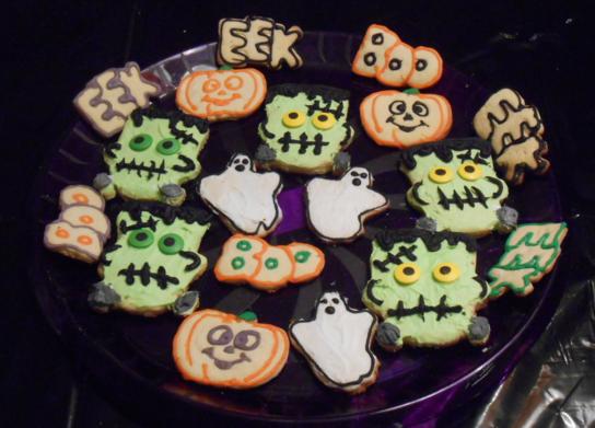Last Minute Halloween Treats scary sugar cookies