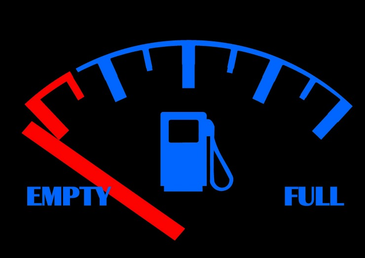How to Save Money at the Pumps During Holiday Travel main image