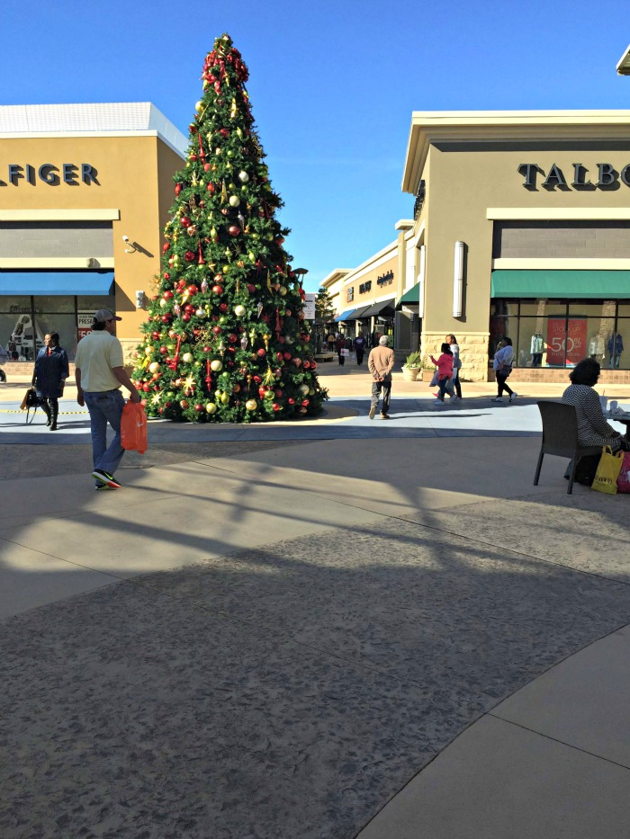 The Outlet Shops of Grand River Christmas tree