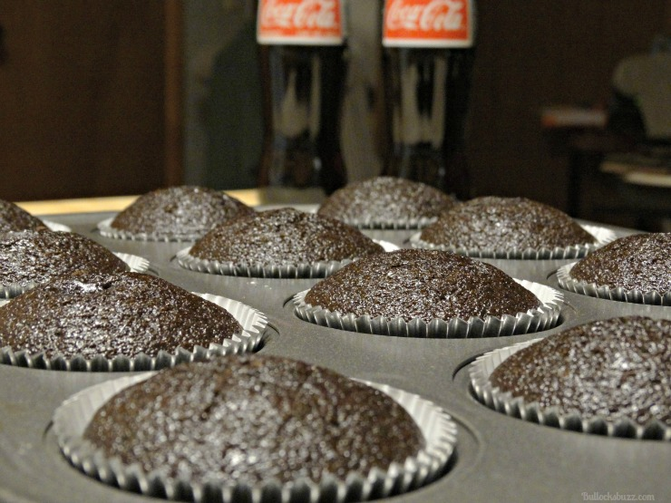 coca cola christmas cupcakes and craft holidays remove from oven allow to cool