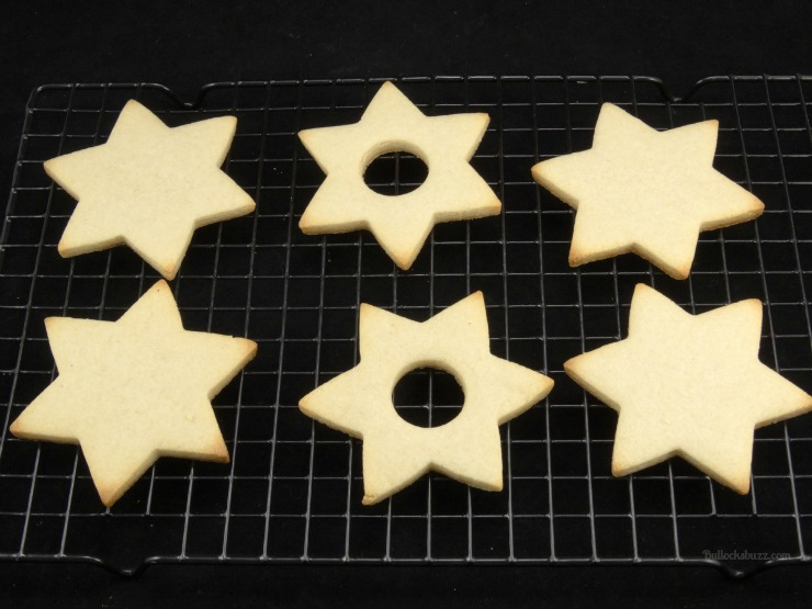 star of david surprise cookies Hanukkah holiday entertaining after baking let the cookies cool