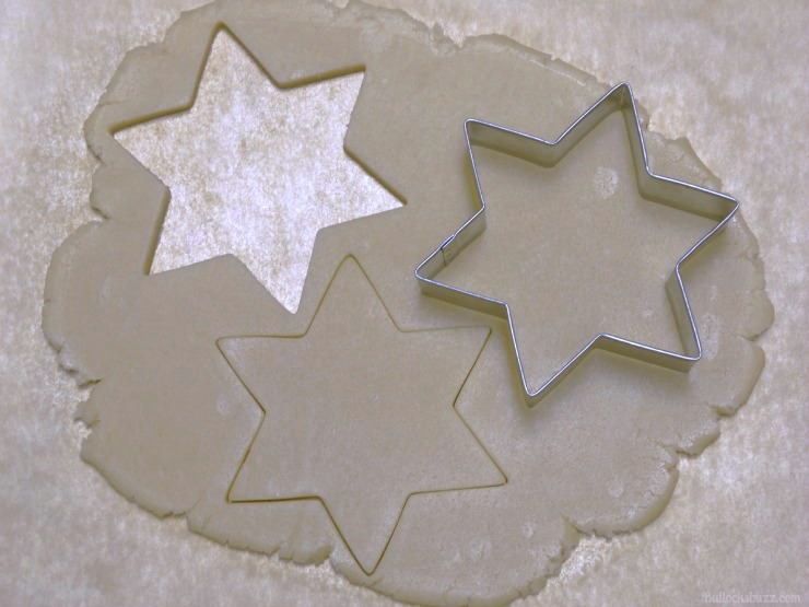 Hanukkah Piñata Cookies use cookie cutters