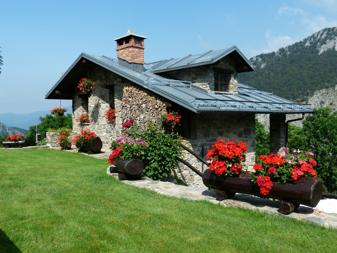 How To Create A Dream Home That Won't Break The Bank dream home