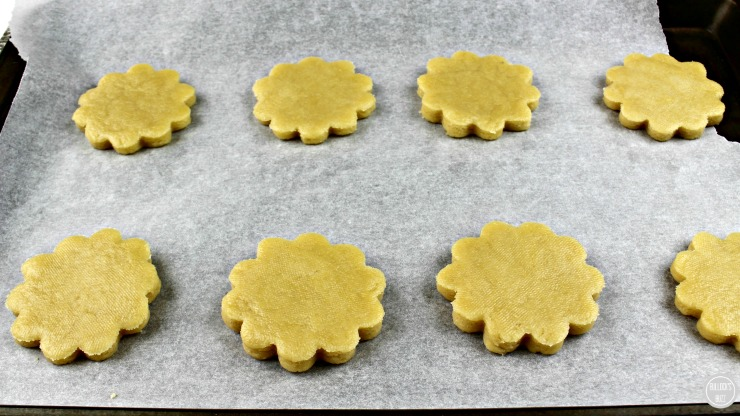 JuJu Flowers Sugar Cookies for Mothers Daybake on cookie sheet
