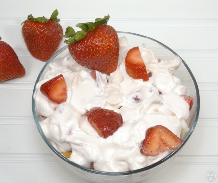 Angel Food Strawberry Yogurt Trifle finished layering
