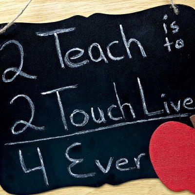 Teacher Appreciation Gift Idea: DIY Teacher Chalkboard