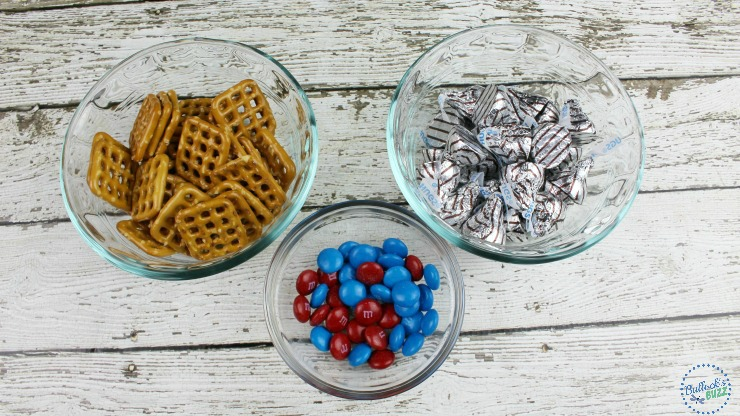Patriotic Pretzel Hugs Ingredients