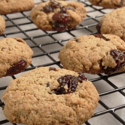Cinnamon Raisin Oatmeal Cookies #CookingWithGerber