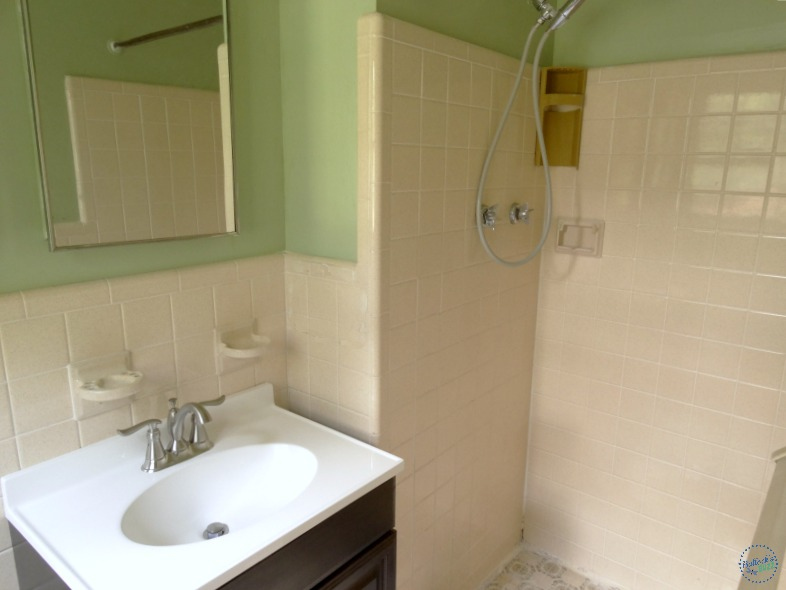 Decorating Small Spaces at home bathroom decor before