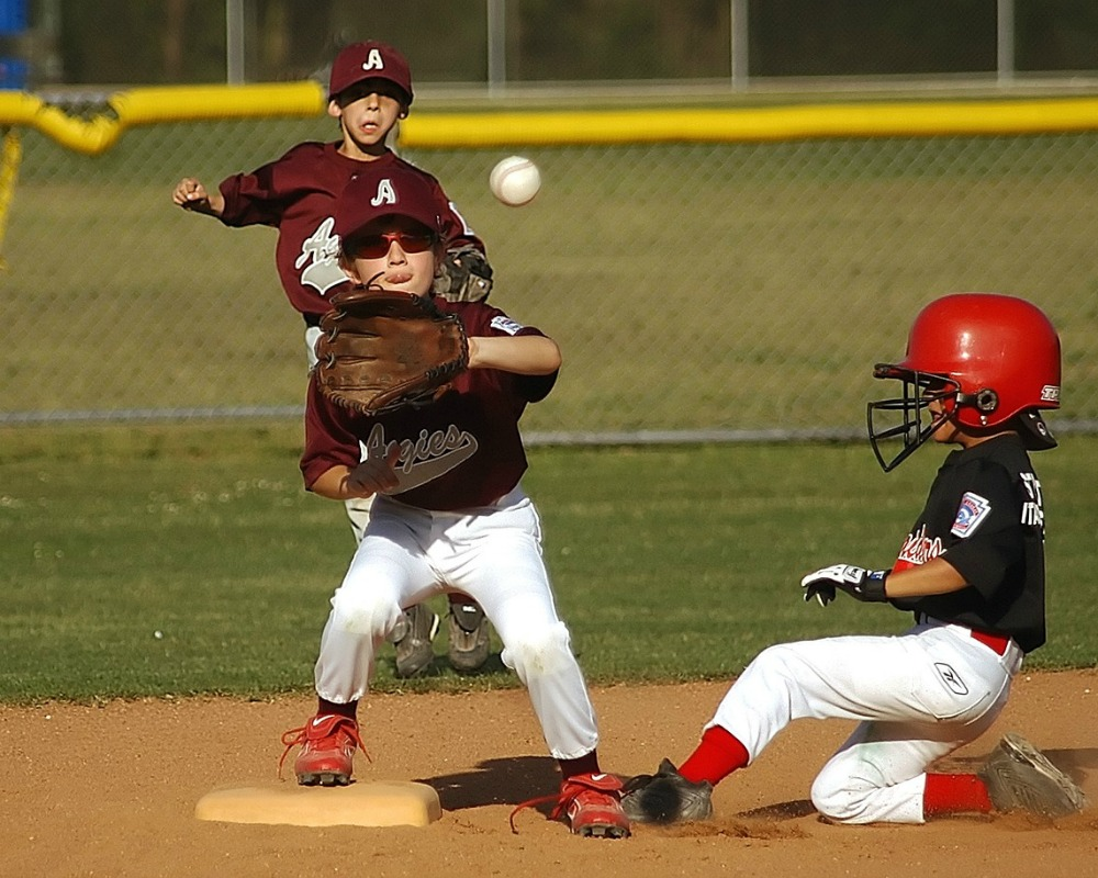 sports related injuries Webmd provides information about a variety of sports injuries and the types of  treatment they require.