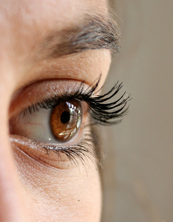 look-after-your-eyes-with-these-super-easy-steps-main-image