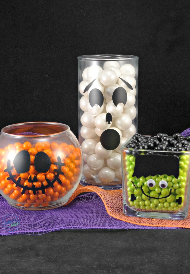 These Halloween treat jars are frightfully easy to make, and they work great as decor or for parties! Add my free printable Halloween treat bag toppers, and you'll be a halloween hit!