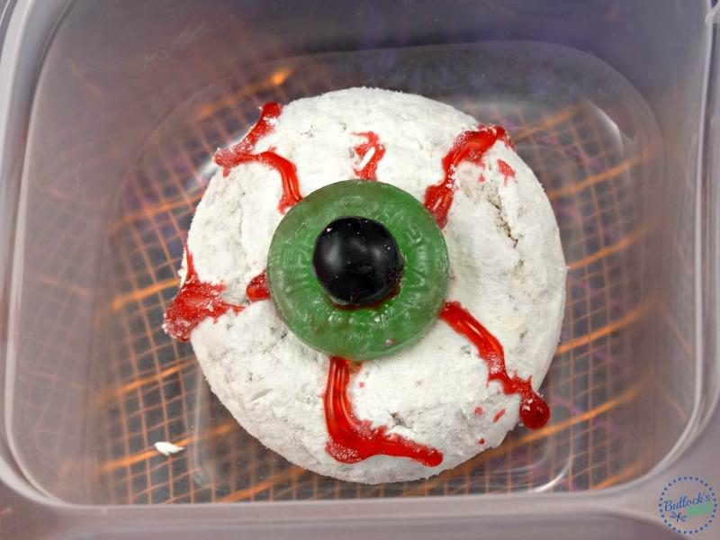 halloween-lunch box-donut-eyeball