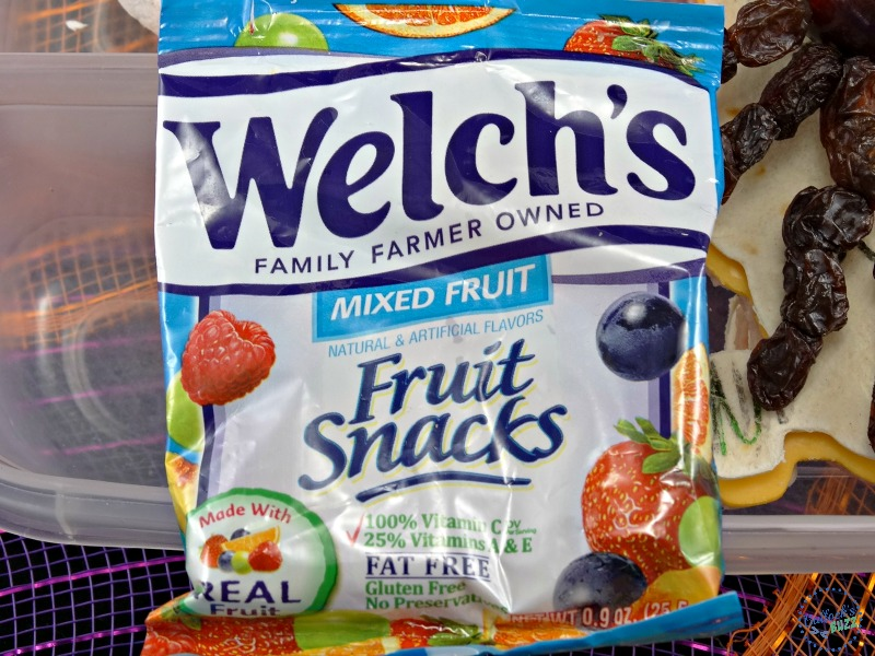 halloween-lunch box-with-welchs-fruit-snacks