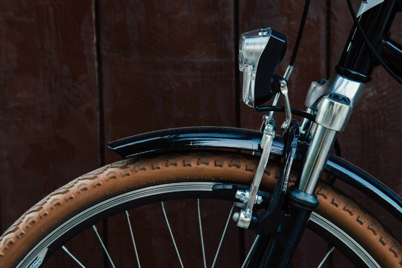 cycling-to-work-bike-wheel