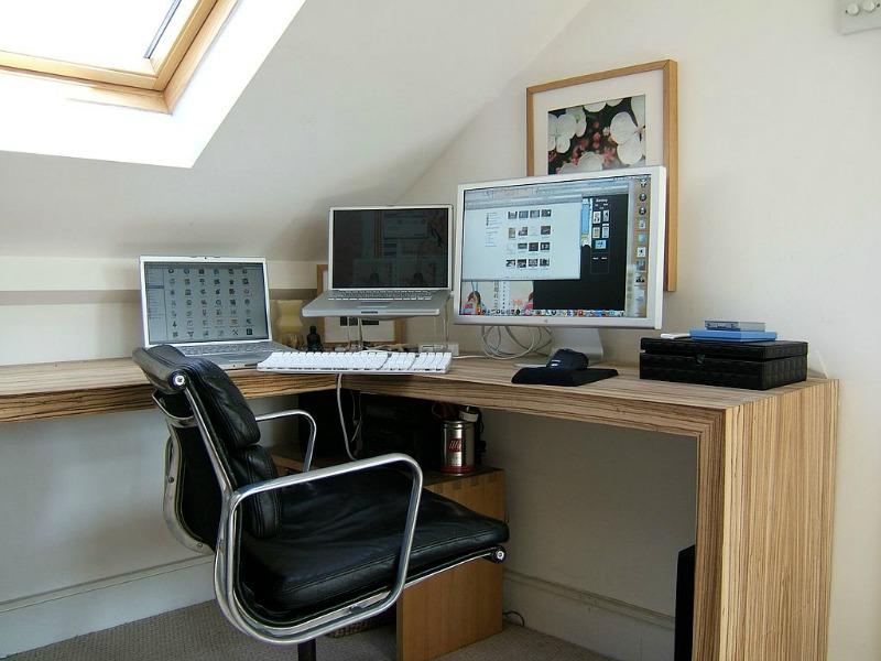working-from-home-cmoputer-desk