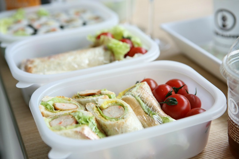 Simple Steps You Can Take To Ensure Your Kids Are Consuming A Healthy Diet healthy lunch