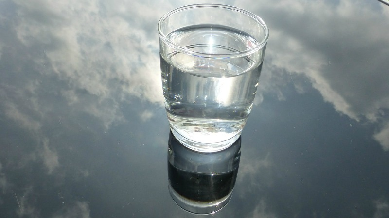 Simple Steps You Can Take To Ensure Your Kids Are Consuming A Healthy Diet lots of water