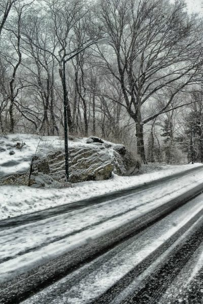 Driving on Winter Roads- Safe Driving Tips
