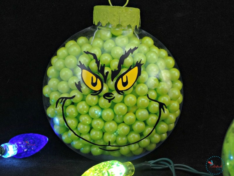 DIY-grinch-christmas-ornaments-candy-filled