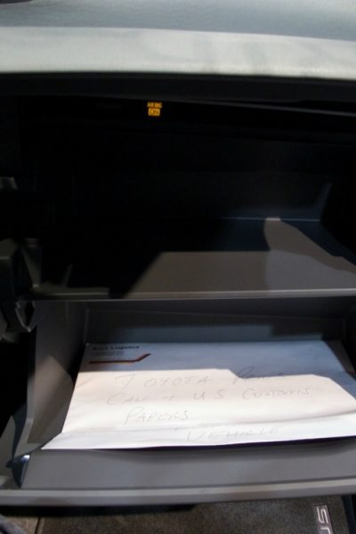 8Items You Should Keep In Your Car's Glove Compartment