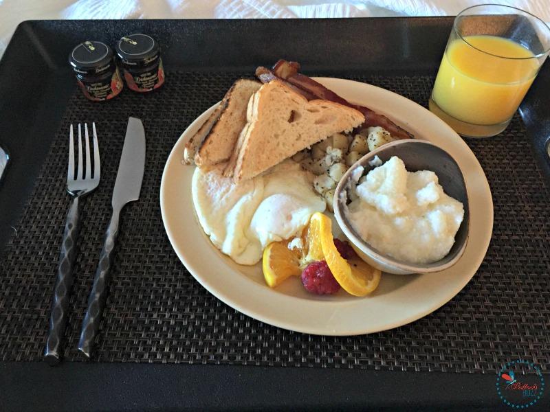 Hotel Indigo Tuscaloosa breakfast in bed