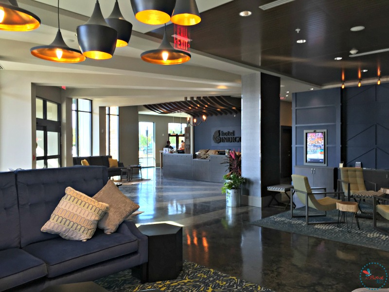 Hotel Indigo Tuscaloosa lobby