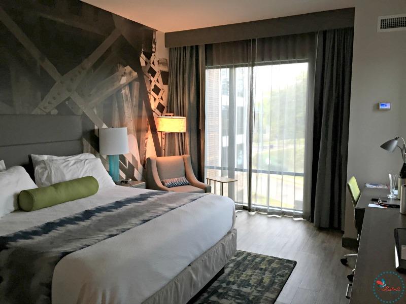 Hotel Indigo Tuscaloosa king room