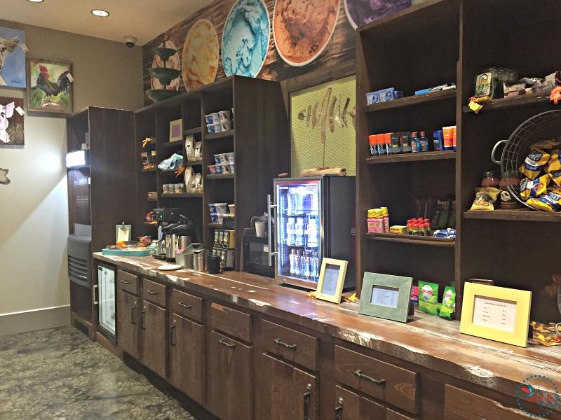Hotel Indigo Tuscaloosa grab and go market