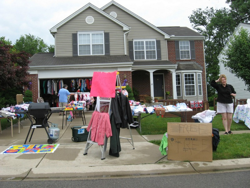 Tidy Home Tidy Mind Declutter Your Way To Happiness Today yard sale